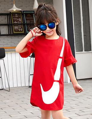 酷比小捍马:专注4至14岁时尚潮流童装开发
