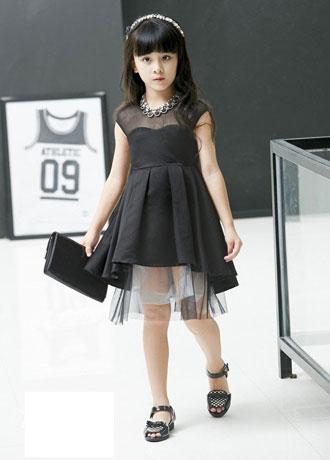 不规则连衣裙 前短后长该怎么搭配好看