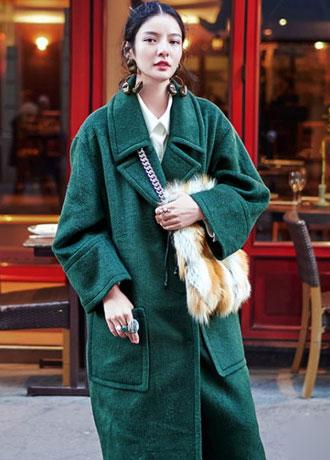 羊剪绒轻薄又温暖 冬季简搭也不怕冷