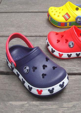家长注意 宝宝3岁前穿这个鞋子 相当于带着危险上路