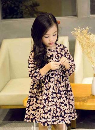 就让秋风带来我的时尚我的美——维尼叮当童装!