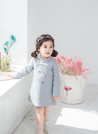 国际童装品牌更值得信任 加盟安米莉拥有美好未来