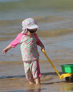 孩子天生需要玩 �酆⒆泳妥�孩子玩���颍�