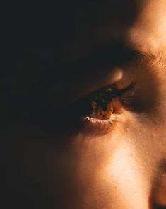 吃糖能和近视有什么关系? 纠正不好的用眼习惯