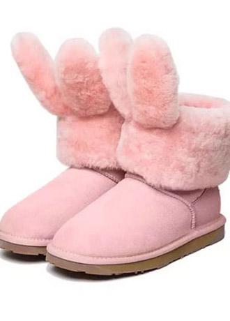怎样给宝贝挑选一双舒适又时尚的雪地靴?