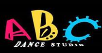 ABC 小猪班纳 三个小朋友品牌童装折扣