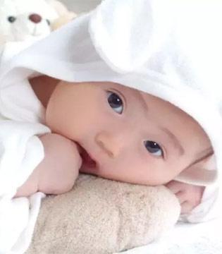 """宝宝的小手会""""说话""""?"""