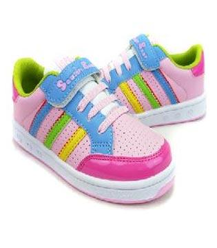 童鞋质量泛滥,四季熊童鞋品牌如何保证品质