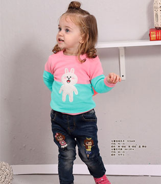 贝蕾地童装教你秋冬粉色的针织衫穿在身上  尽显甜美
