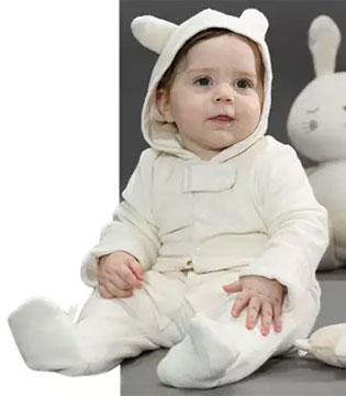 """为何宝宝喜欢关注""""微小物体""""?"""