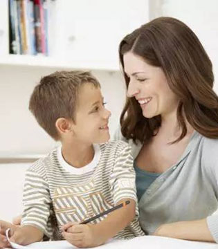 父母表扬孩子要对事不对人