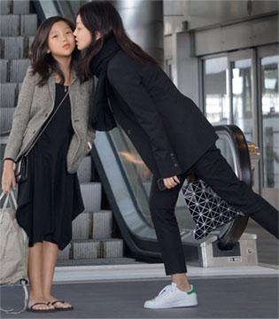 韩国长腿妈妈与长腿女儿的日常街拍!气场全开!