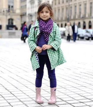 卓维乐童装搭配的色彩原则