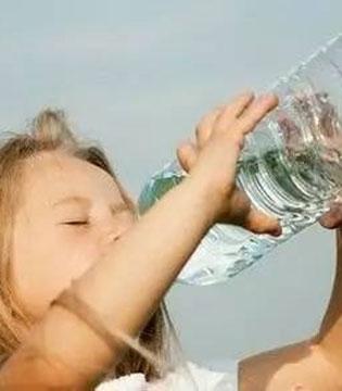 这个冬天让宝宝爱上喝水 做省心潮妈!