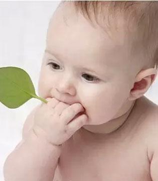 剪脐带妈妈和宝宝谁最痛?
