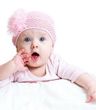一直以为要这样给宝宝喝奶 现在才知道是错的……