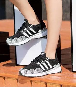 """一针一线 重塑美感 七波辉鞋子也会""""针功夫""""!"""