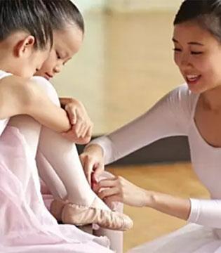 孩子没到这个年龄 千万别给她报舞蹈班