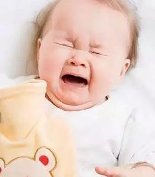 """宁波2个月大的宝宝遭遇""""低温烫伤"""" 脚上竟被烫出大水泡!"""