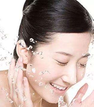 """""""+1""""洗脸法 让你在洗脸中越变越美"""
