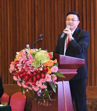 卓儿总经理陈希珉恭祝广大加盟商新的一年里 生意兴隆 财源广进 恭喜发财!