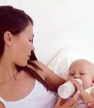 宝宝喝奶后老打嗝怎么办?