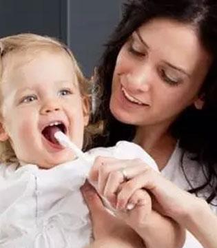 刷牙要从宝宝抓起 技巧要知道