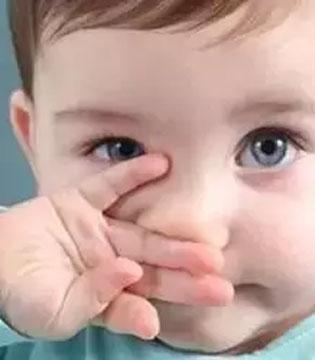 家长必看:别盲目阻止宝宝吃手指!