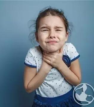 预防婴幼儿窒息 注意孩子用餐安全