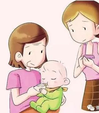 宝宝出生之后要不要吃鱼肝油呢?很多妈妈都很迷惑!