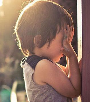 判断孩子性早熟 男孩女孩症状各不同