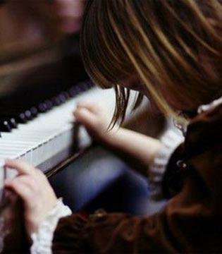 弹琴不可拔苗助长 如何判断孩子的音乐天赋