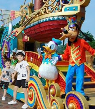 贝布熊旅游记之二  上海迪士尼乐园