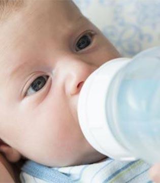 怎么给宝宝冲奶粉  7大冲奶粉误区要避免
