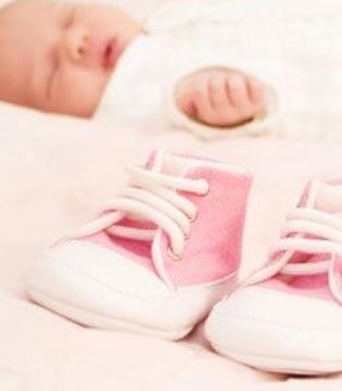 给宝宝挑鞋子 四个误区一定要避免