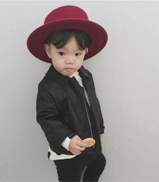 时尚从来不分年纪  两岁的孩子都比你会穿