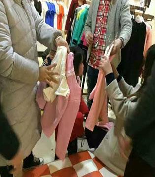 快乐丘比童装品牌湖南沙市专卖店新开业