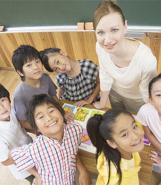 对孩子来说  为什么老师一句话顶家长十句