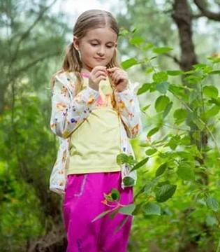 春分时节是踏青春游的好日子   穿上CAMKIDS追逐春意
