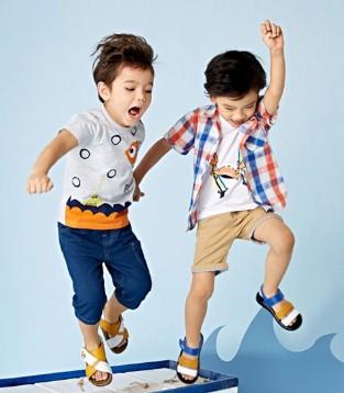 童年的每一个美好瞬间别忘了让嗒嘀嗒童装陪着