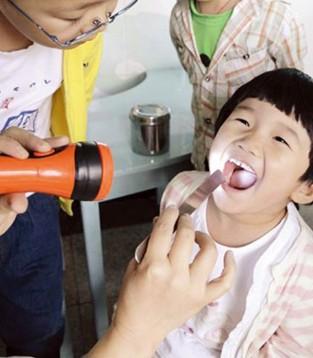 """做好孩子的牙齿护理  孩子能""""笑""""一辈子"""