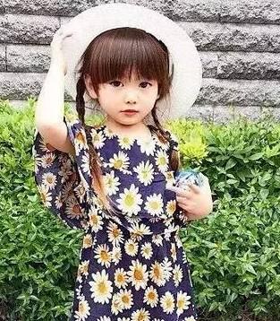 这个日本小姑娘靠亲子装在ins上圈粉无数