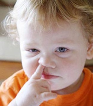宝宝春季流鼻血是上火导致的吗  流鼻血怎么止血