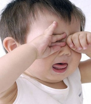 育儿课堂  宝宝频繁眨眼小心这6种病