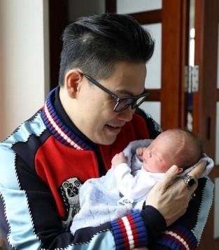 苏永康儿子收丰厚礼物 将悉数捐赠给慈善机构