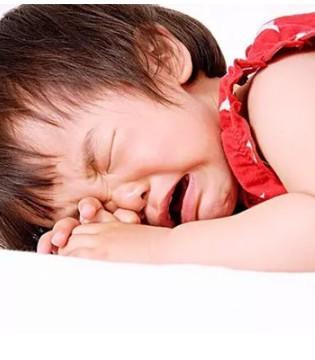 孩子一不顺心就发脾气  潜移默化的影响才有效