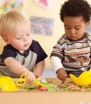 育儿课堂  宝宝3岁前出现的敏感期的教养要点