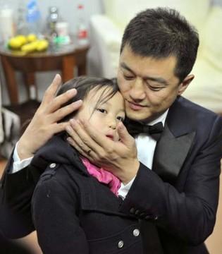 模范爸爸李亚鹏的育儿观点中有几点让人特别钦佩
