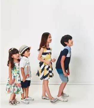父母该如何正确选购童装  从小培养孩子审美观