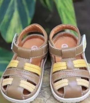 娜拉宝贝童鞋全皮拼色  简约时尚演绎夏季的精彩